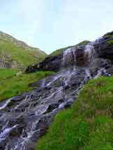 Via Normale Punta Sul� - Una delle cascate nella prima met� della salita