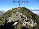 Via Normale Cima Campello - Sulla cresta SSE della Cima Campello, le rocce affilate vengono facilmente aggirate a destra