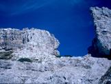 Via Normale Sfornioi Sud - L´omogeneo salto di rocce e la breccia di cresta