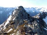 Via Normale Cima Pizzinversa - Passaggi rocciosi (I°) appena superati, lungo la cresta SE della Cima Meridionale