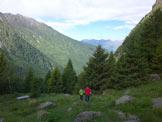 Via Normale Corno delle Granate - Salendo per il bosco