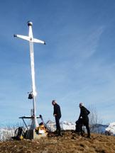 Via Normale Monte Valsacco - La croce in vetta al M. Pare