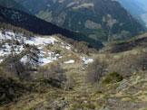Via Normale Cima d'Assola (o Cima della Zocca) - I ripidi ma facili pendii erbosi per raggiungere la cresta