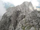 Via Normale Sasso Nero - L'esposta e affilata cresta che conduce dalla cima del Sasso Nero alla Tacca del Sassonero ( v