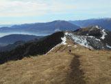 Via Normale Monte Todano / I Balmit - lungo il crinale erboso per la vetta