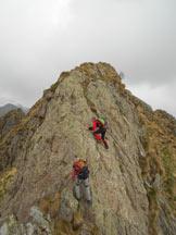 Via Normale Monte Barone (cresta SE) - La paretina di II° per raggiungere la Cima N del Monte Gemevola