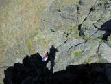 Via Normale Cima di Saoseo - Cresta Est - Pietro sulla cengia esposta che aggira a S la (q. 3056 m)
