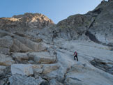 Via Normale Pizzo del Ferro Orientale (traversata Val del Ferro-Qualido) - Una terza fascia di placche a quasi 3000 m