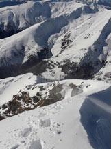 Via Normale Pizzo di Gino (invernale) - In discesa sull'affilata cresta sommitale