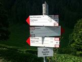 Via Normale Cima Ezendola - Cartelli Segnavia in prossimità della Baita Ezendola