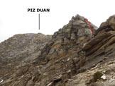 Via Normale Piz Duan - Cresta WSW - In rosso la via da seguire sul risalto di II° all'inizio della cresta aerea