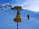 Via Normale Piz Campagnung - La palina segnaletica all´imbocco della Val d´Agnel
