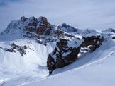 Via Normale Piz Campagnung - L´Himmelstor, il caratteristico arco naturale nella roccia. Dietro svetta il Corn Alv