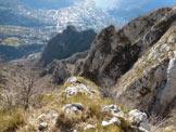 Via Normale Corna di Medale – Monte Coltignone - In discesa dal M. Coltignone, al termine dei prati e all'inizio delle catene