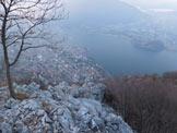 Via Normale Monte San Martino - Cresta Sud - Uno sguardo sulla città di Lecco, dalla cresta S del Monte San Martino