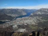 Via Normale Monte Magnodeno - da Nord - Panorama di vetta sulla città. A sinistra il Triangolo Lariano, a destra Le Grigne