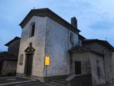 Via Normale Zucco di Manavello (variante) - La Piazza Sant'Antonio e la chiesetta, alla partenza