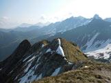 Via Normale Cima Piazzotti Orientale - A centro immagine la vetta, da W