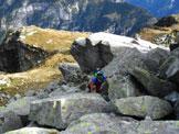 Via Normale Cima Basa - Qualche facile roccetta per raggiungere il filo di cresta