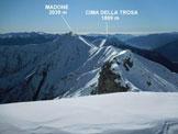 Via Normale Pizzo di Corbella - Dalla vetta, la cresta di collegamento con il Madone