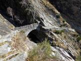 Via Normale Cima di Nimi - Il bel ponte in pietra tra Boschetto e Cappellona