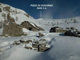 Via Normale Pizzo di Vogorno - dal versante SE e per la cresta SSE - L'Alpe Lòcia e il Pizzo di Vogorno, nell'imperversare di una tempesta di Föhn