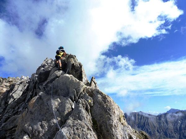 Via Normale Cima di Val Bona - L´aereo tratto di II attrezzato con catena
