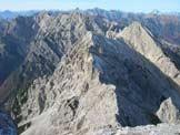 Via Normale Caserine Alte - In cima verso i gruppi Raut-Resettum e del Cavallo