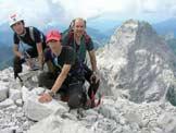 Via Normale Cima dei Preti - Con papà e fratellino sulla cima, sullo sfondo il Duranno