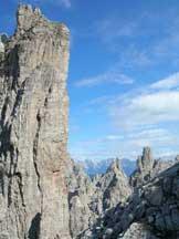 Via Normale Monfalcon di Forni - Dalla terrazza di sfasciumi verso le Torri del Cridola