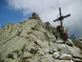Via Normale Corno d'Aola - La croce presso l'antecima