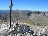 Via Normale Monte Greco - Dal Monte Greco vista della Serra Rocca Chiarano, il Marsicano e lo Stazzo il Prato