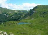Via Normale Monte Prado - Salendo sul Monte Prado, il Lago Bargetana 1767 m e, in fondo, il Passone 1847 m