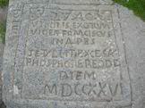 Via Normale Monte Cimone - Lapide di arenaria che ricorda l´ascensione del Duca di Modena Francesco III il 27 Agosto 1726