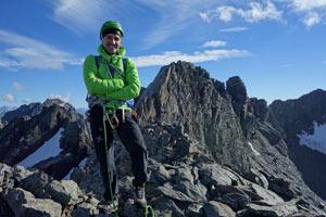 Prealpi e Alpi Orobie - In vetta al Torrione Occidentale della Punta Scais