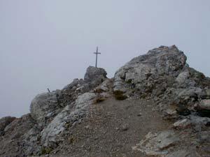 Cima di Costabella - La piccola croce di legno sulla Cima di Costabella