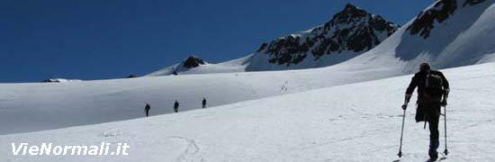 Lungo i pianori del ghiacciaio di Dosegù