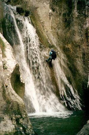 - Discesa in cascata