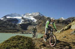 Mountain bike in Engadina