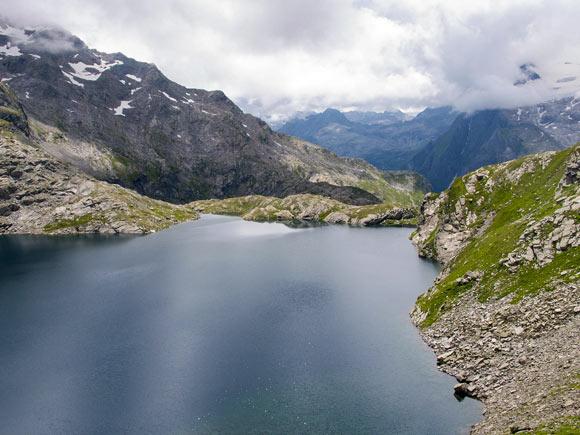 Il Lago Nero salendo alla bocchetta