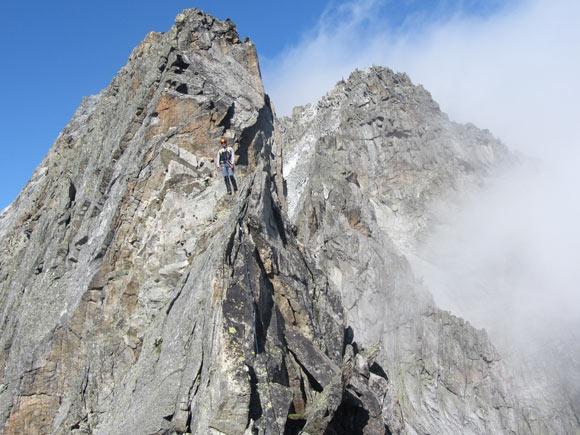Lungo la cresta rocciosa della Cima Busazza