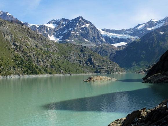 Il Lago di Gera, vette e ghiacciai
