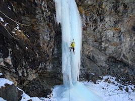 Corso base ice climbing in Valle d'Aosta